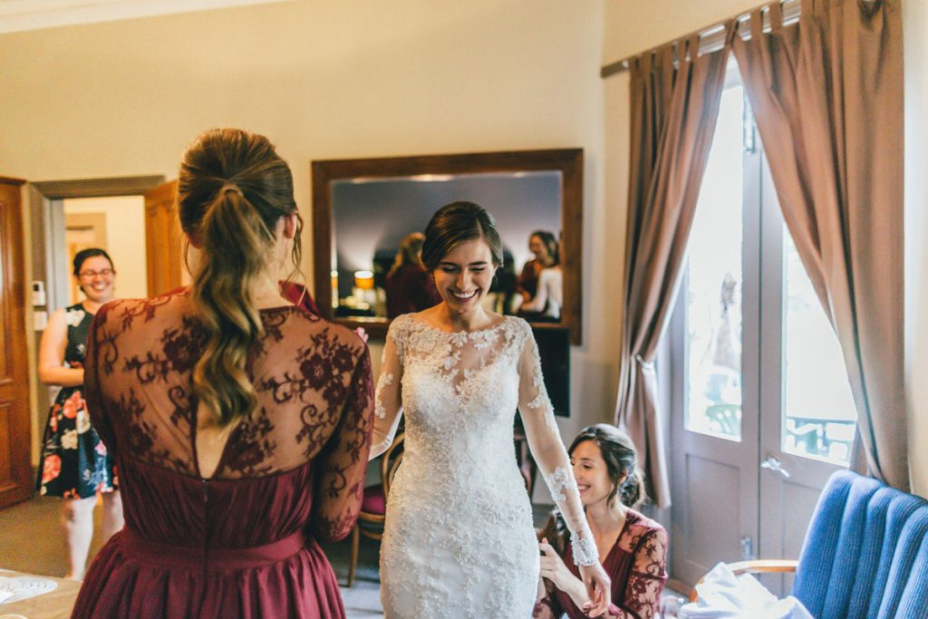 Bride getting ready by Widfotografia, Melbourne wedding photographer